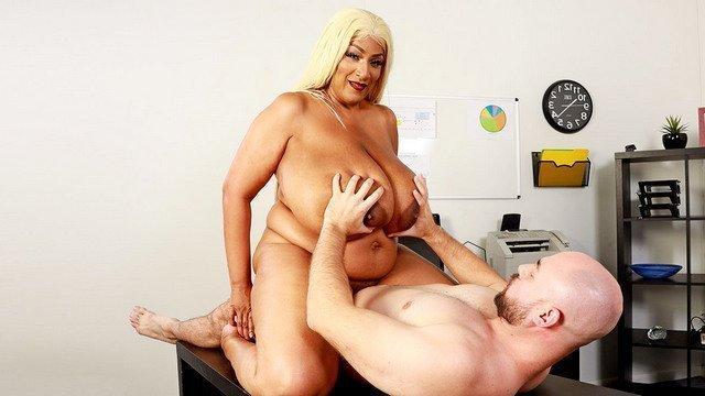 толстушек огромная пышная грудь порно фото